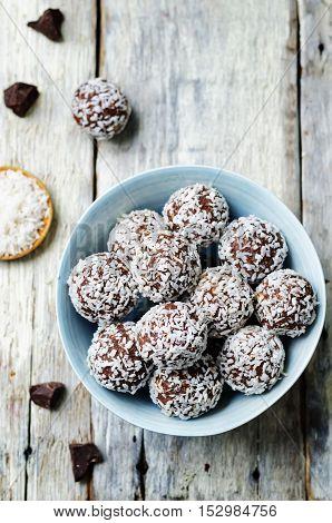 raw vegan almond butter coconut chocolate balls