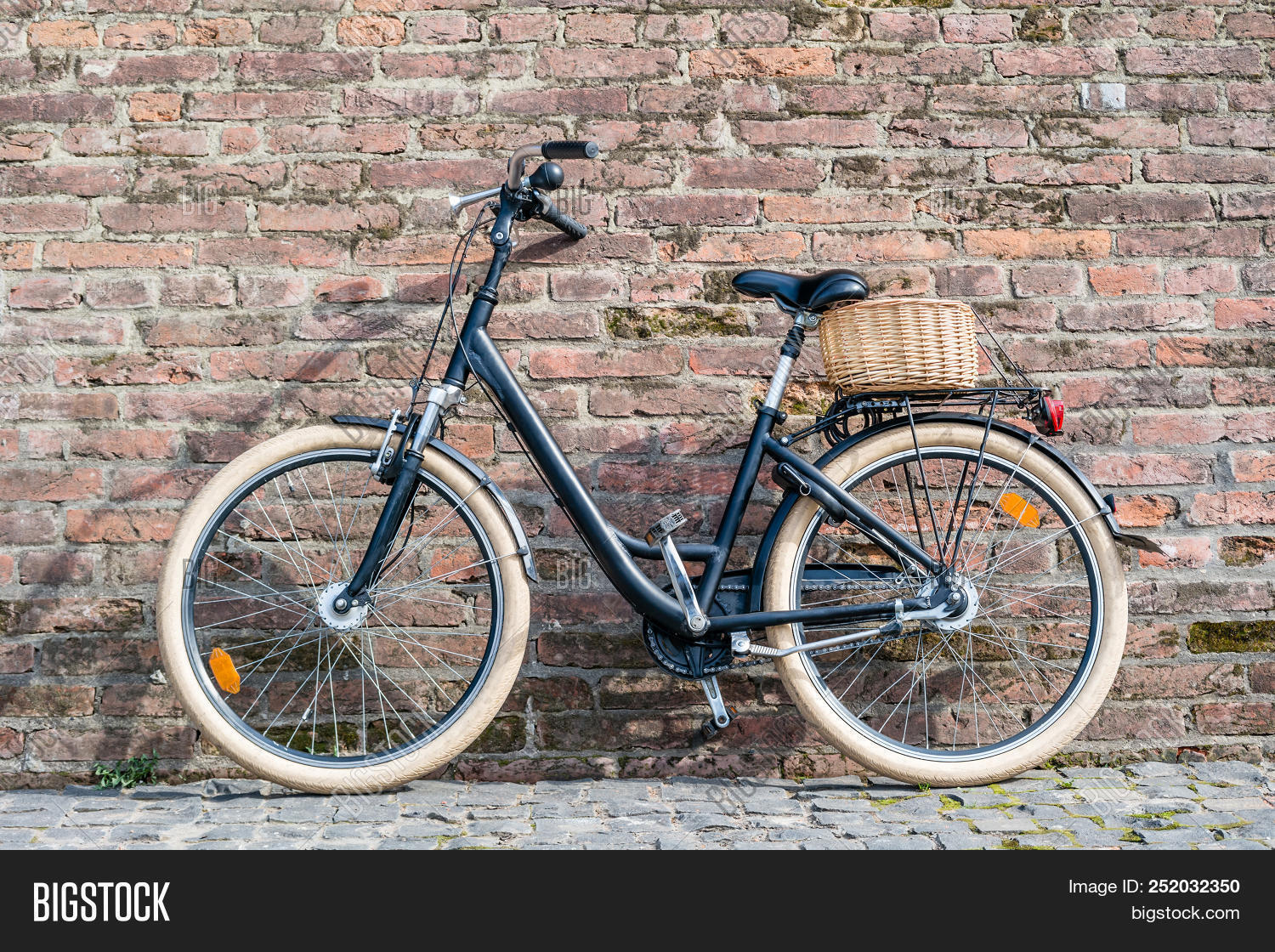 Black Retro Vintage Image & Photo (Free Trial) | Bigstock