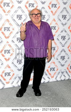 LOS ANGELES - AUG 3:  Danny DeVito at the FX TCA Starwalk - Summer 2018 on the Beverly Hilton Hotel on August 3, 2018 in Beverly Hills, CA