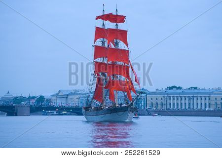 Saint Petersburg, Russia - June 21, 2018: A Ship With Scarlet Sails On The Evening Neva. Fragment Of