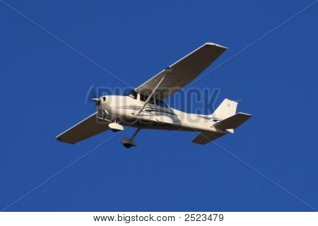Small Airplane Cessna 172