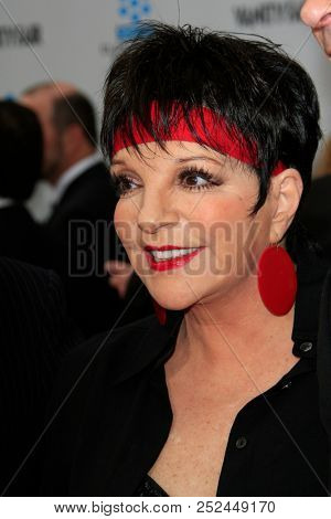 LAS VEGAS - APR 12:  Liza Minnelli  at the TCM Classic Film Festival - 40th Anniv of