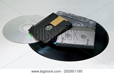 Mini Disc, Compact Disc, Dat Cassette And Cassette Tape, Vinyl Record