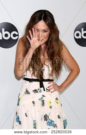 LOS ANGELES - AUG 7:  Lindsay Price at the ABC TCA Party- Summer 2018 at the Beverly Hilton Hotel on August 7, 2018 in Beverly Hills, CA