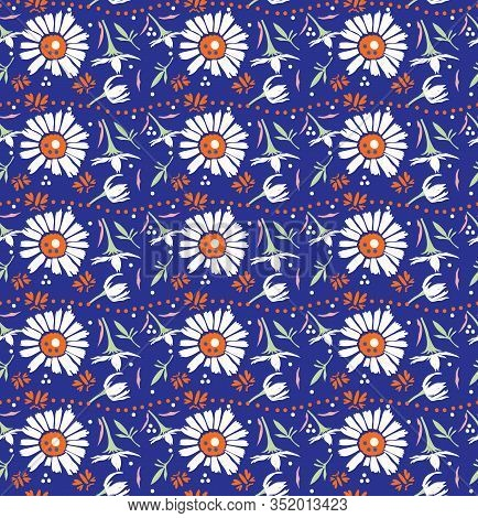 Hand Drawn Vector Classic Blue Daisy Summer Bloom Floral Motif Seamless Pattern. Pretty Vintage Flow