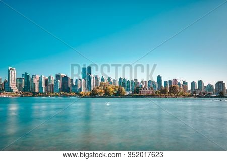 Vancouver - May 06 2019: Downtown Vancouver Canada. View Of Downtown Vancouver From Stanley Park