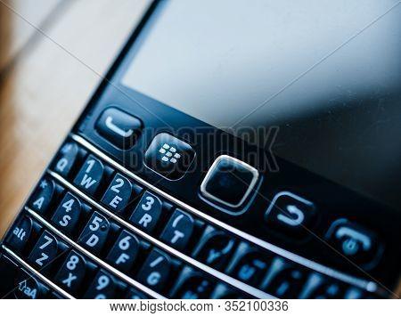 London, United Kingdom - Apr 21, 2013: Tilt-shift Macro Lens Used On Blackberry Palm Vintage Smartph