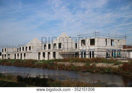 Building Of A New Residential District Named Esse Zoom Laag In Nieuwerkerk Aan Den Ijssel In The Net