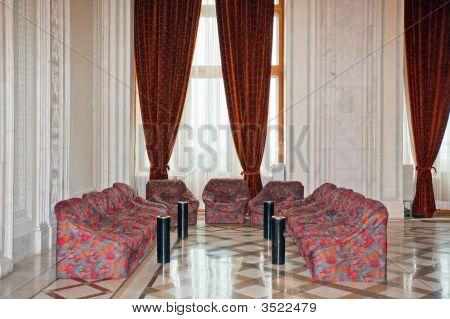Large Luxurious Room