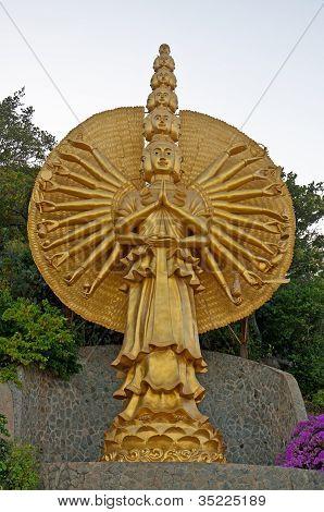 Gloden deity