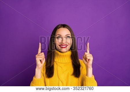 Close-up Portrait Of Nice Attractive Cheerful Cheery Straight-haired Girl Pointing Forefinger Up Lik
