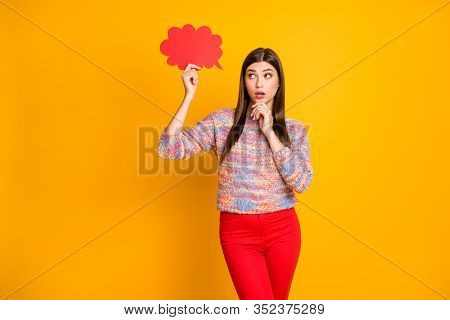 Minded Astonished Girl Hold Red Paper Card Cloud Think Thoughts Decide Choose Dilemma Answer Touch H