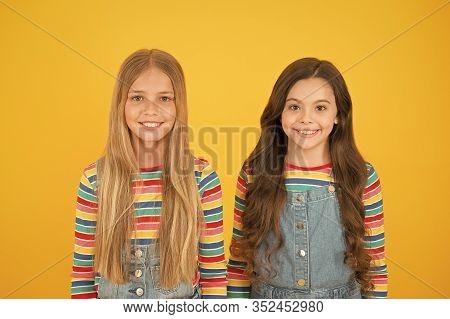 Long Hair Best Female Adorn. Girls Blonde And Brunette Shiny Healthy Hair. Grow Hair. Hairdresser Sa