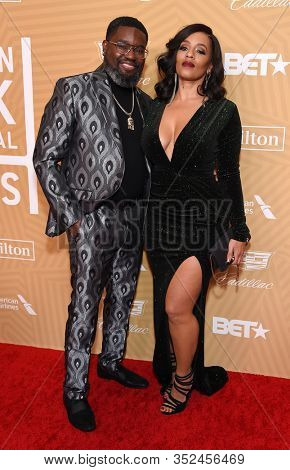 LOS ANGELES - FEB 23:  Lil Rel Howery and Melyssa Ford arrives for the 2020 American Black Film Festival Honors on February 23, 2020 in Beverly Hills, CA