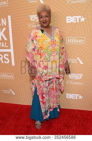 LOS ANGELES - FEB 23:  CCH Pounder arrives for the 2020 American Black Film Festival Honors on February 23, 2020 in Beverly Hills, CA