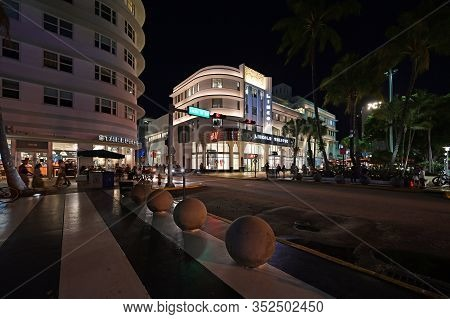 Miami Beach, Florida - February 17, 2020 - Lincoln Theatre On Lincoln Road Mall In Miami Beach, Flor