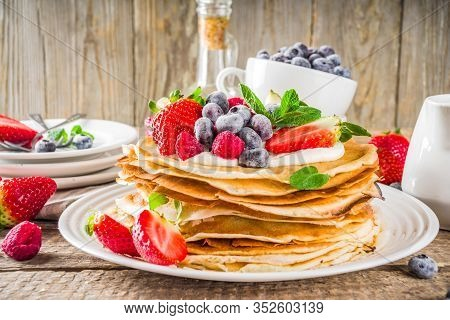 Sweet Crepes With Berries