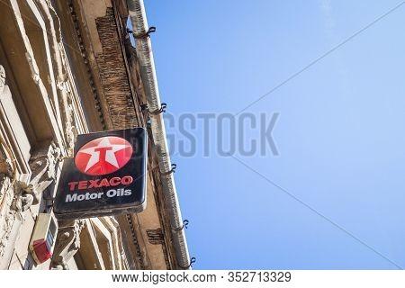Subotica, Serbia - March 30, 2019: Texaco Logo On One Of Their Retailer Garages In Subotica. Texaco