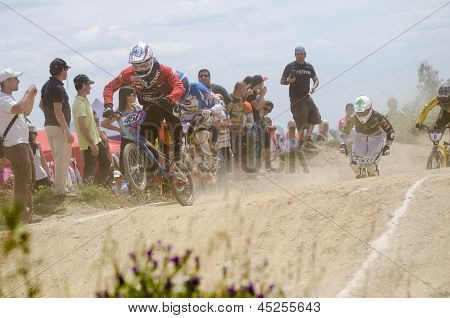 Alexandro Kim Leading The Race