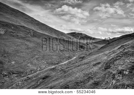 Dovedale Valley Uk Peak District