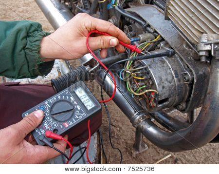 Checking Engine Electronic