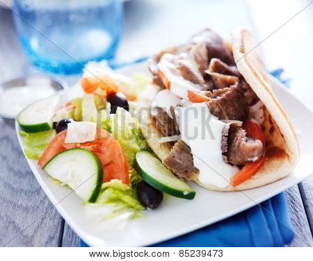 greek salad and gyro platter