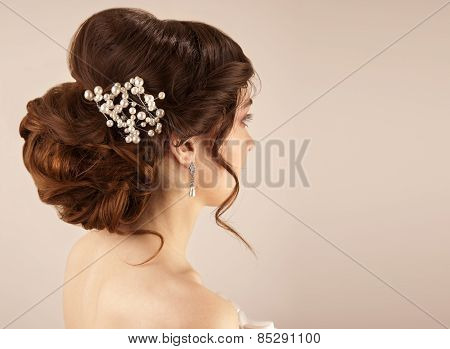 Picture Of Beautiful Bride Hairstyle