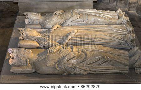 Recumbent statues in basilica of saint-denis,  France