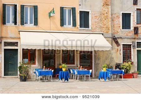 Itailian Trattoria Cafe Restaurant
