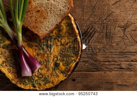 Scrambled Eggs With Toast And Onions