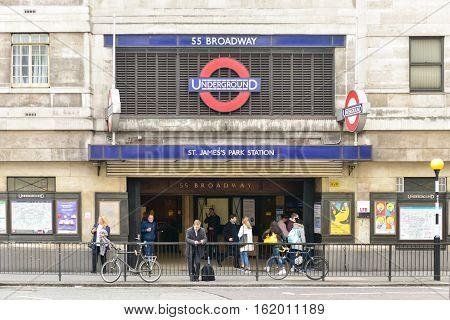 Saint James Park Station - London