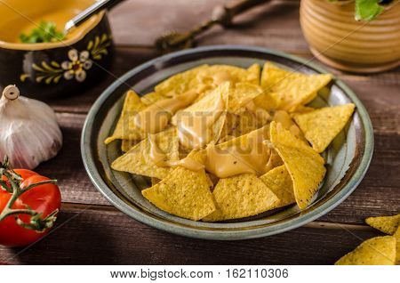 Nachos With Homemade Cheese Dip