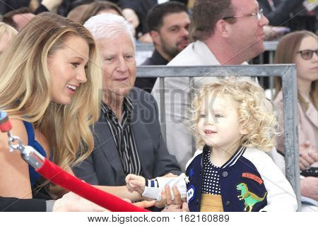 LOS ANGELES - DEC 15: Blake Lively, daughter James at a ceremony as Ryan Reynolds is honored with a star on the Hollywood Walk of Fame on December 15, 2016 in Los Angeles, California