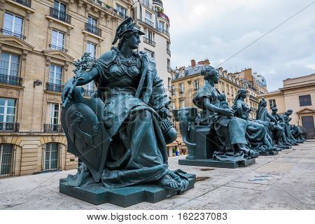 Row Of Statues In Front Of The Musee Dorsay, Paris, France