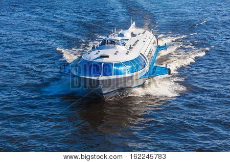 Saint Petersburg, Russia - July 26, 2014:  Ship Hydrofoil Transports Tourists In Peterhof