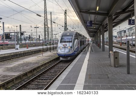 Tgv Arrivesat Frankfurt Train Station