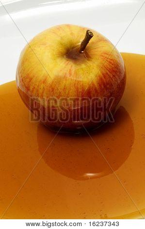apple with honey