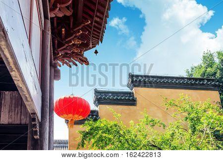 Traditionele Chinese klassieke architectuur en lantaarns Chongqing China.