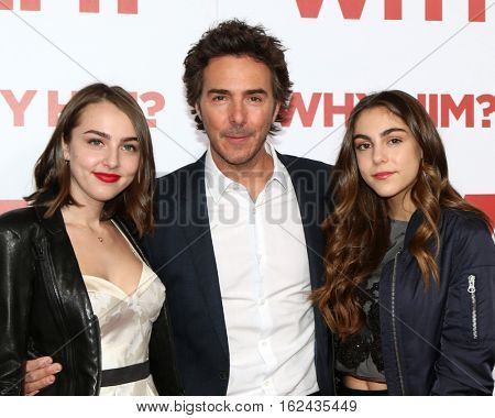LOS ANGELES - DEC 17:  Shawn Levy, daughters at the