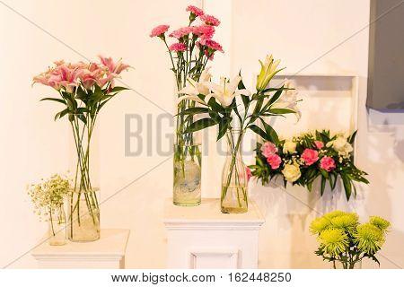 Flower In Glass Pot For Wedding Interior