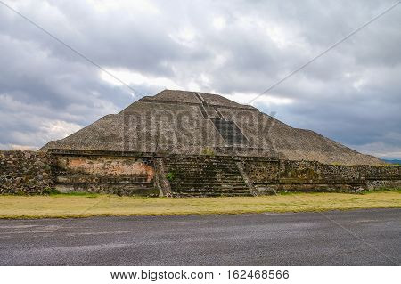 Impressive View To Pyramid Of The Sun And Avenida Of The Dead At Teotihuacan