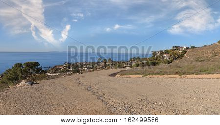 Hiking trail that overlooks the Laguna Beach coastline in the Laguna Wilderness in California, United States