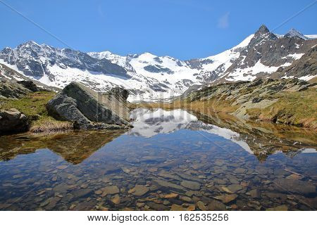 VANOISE, FRANCE: Evettes cirque above the hamlet L'Ecot, Northern Alps