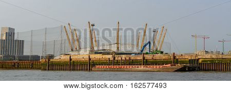 London, United Kingdom - August 17: Horizontal View Of The O2 Arena And Canary Wharf On August 17, 2