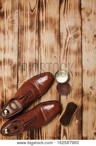 Oxfords shine Brushes and wax.Waxing. Bull shoes.Finger polish.Glacage.Shoes care