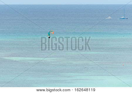Para Sailing In A Blue Caribbean Sea