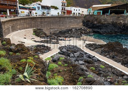 Garachico, Tenerife Island, Spain, 08 June 2015: Natural Volcanic Pools Visited By Tourists In Garac
