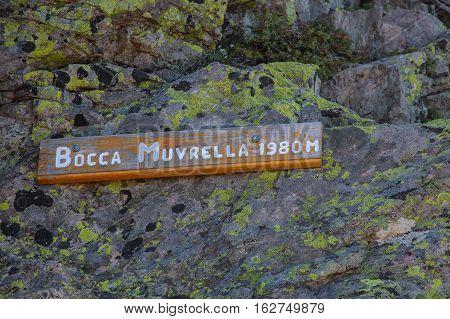 Track sign of Bocca Muvrella 1980 m pass.