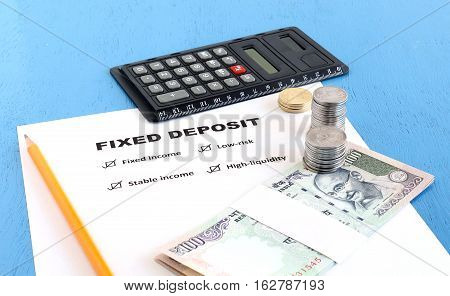Benefits of fixed deposit, an investment option, concept highlighted by listing the advantages.