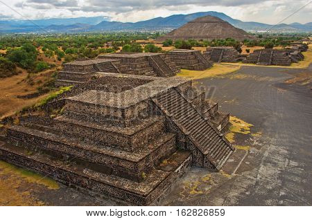 Pyramid Of The Sun And Platforms In Teotihuacan